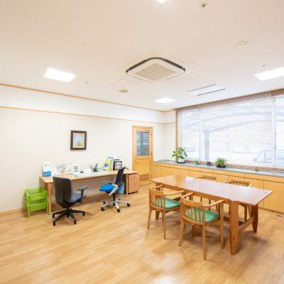 あきやま病院 診察室